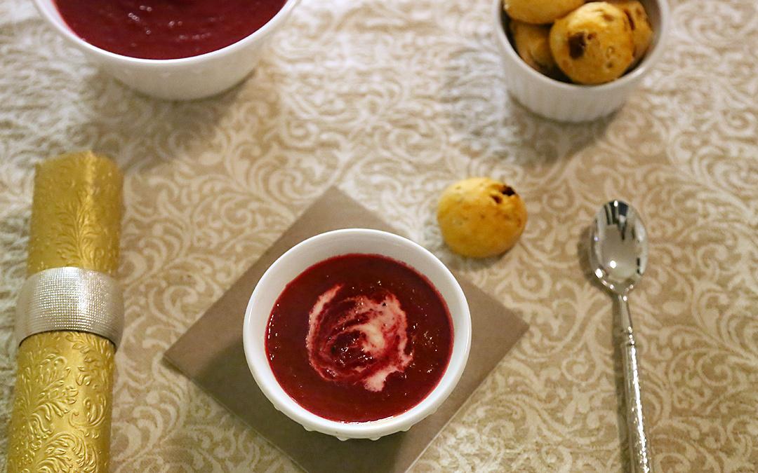 Randensüppchen mit Tomatenbrötchen