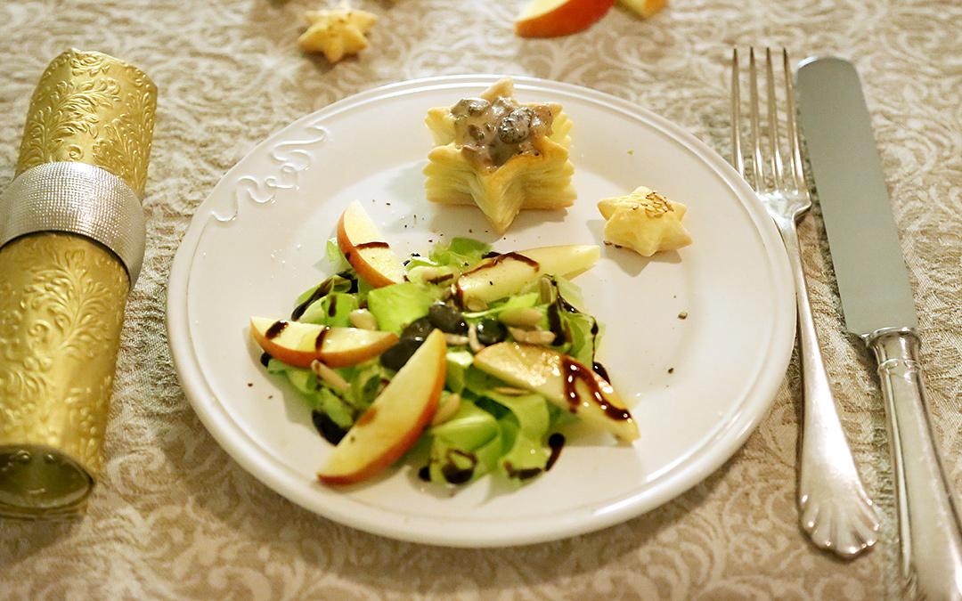 Salat mit Apfel, dreierlei Kernen und gefüllten Pastetli