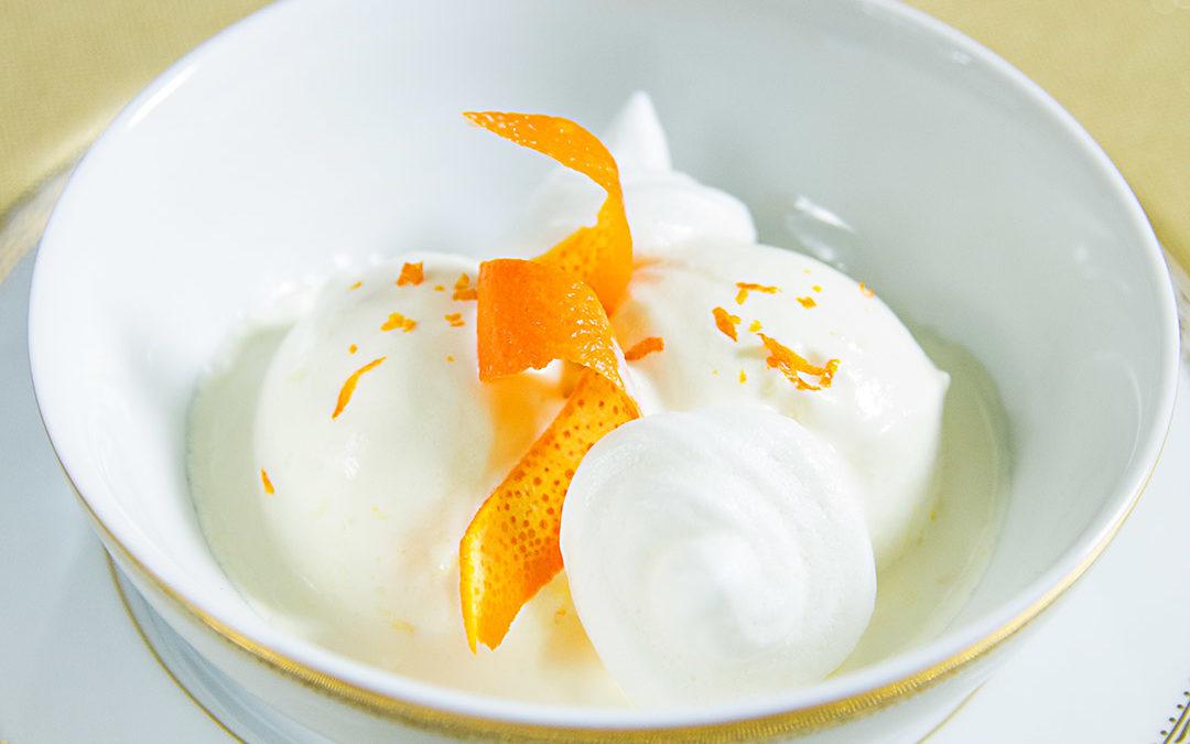 Orangen-Kokos-Eis mit Meringues