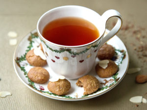 vegane Amaretti mit Tee