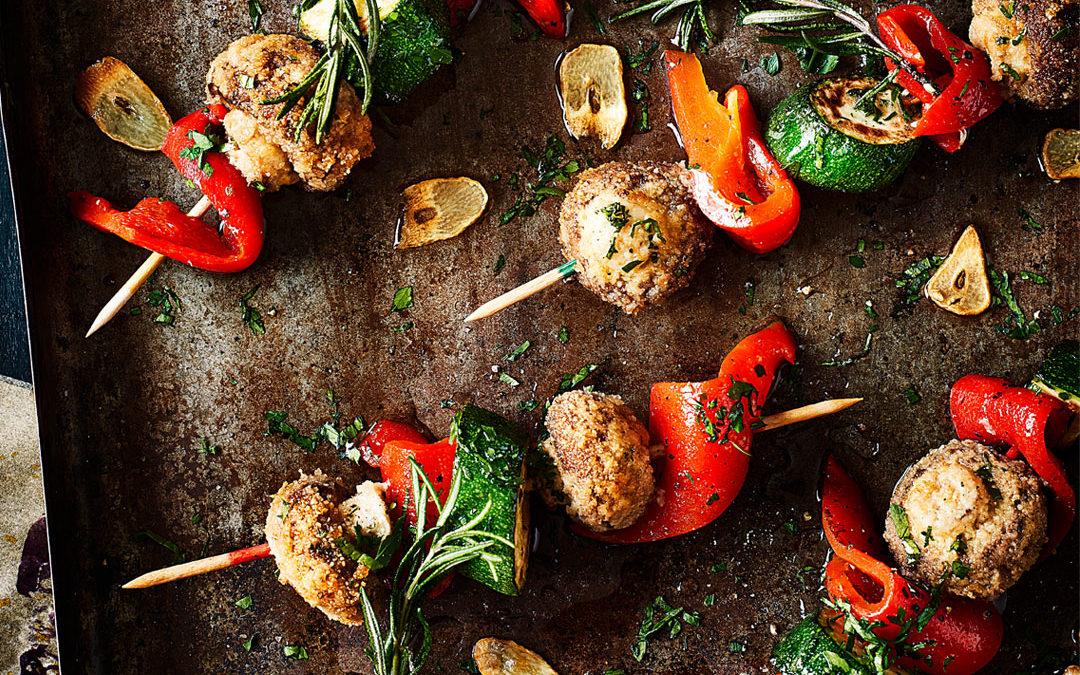 Gemüsespiesse mit panierten Champignons
